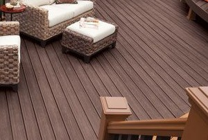 Comp VS PVC decking | DeckMax®